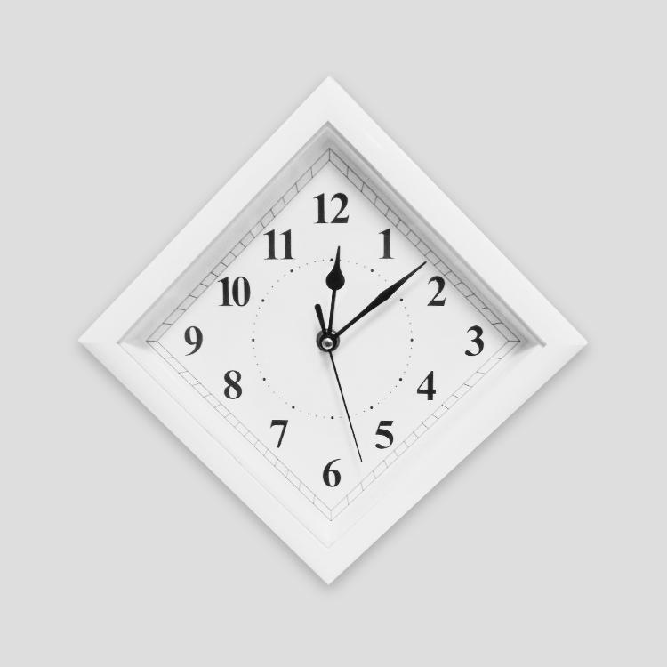 Часы настенные, ромб